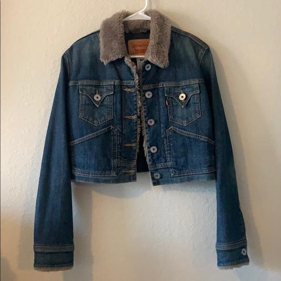 Levi's Trucker jacket with faux fur trim